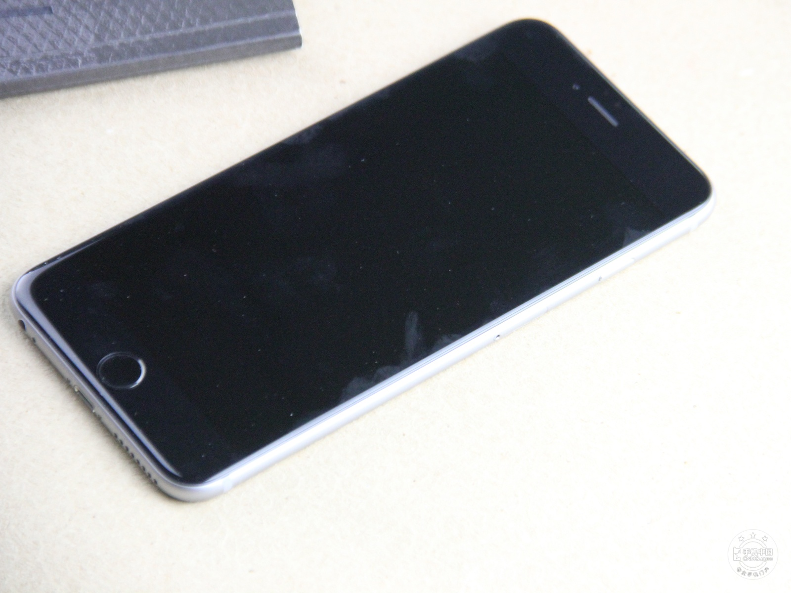 苹果iPhone6Plus(16GB)整体外观第7张
