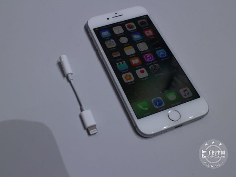 苹果iPhone7(32GB)整体外观第2张