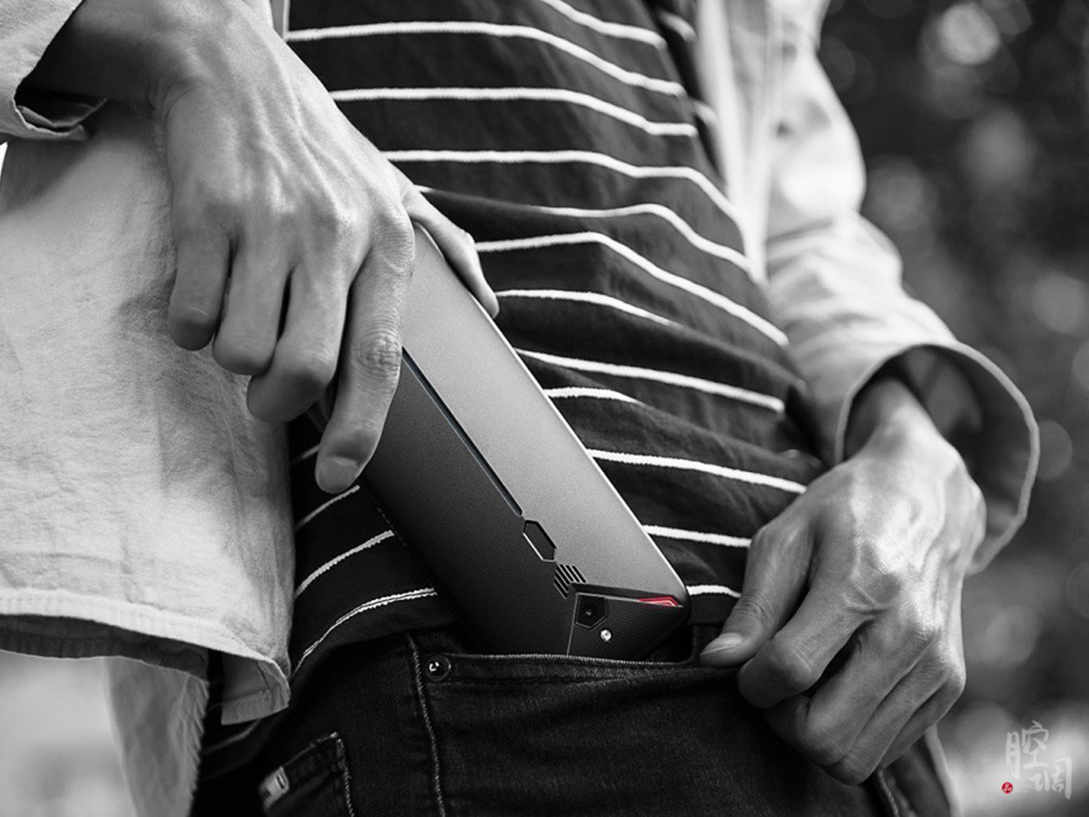 努比亚红魔3电竞手机(8+128GB)时尚美图第1张
